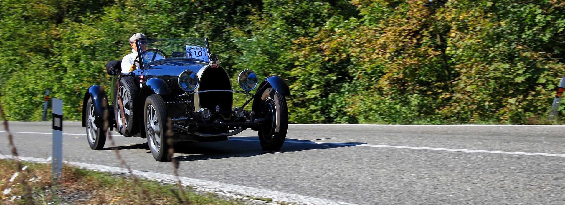 Running Vintage Car | Breast Cancer Car Donations