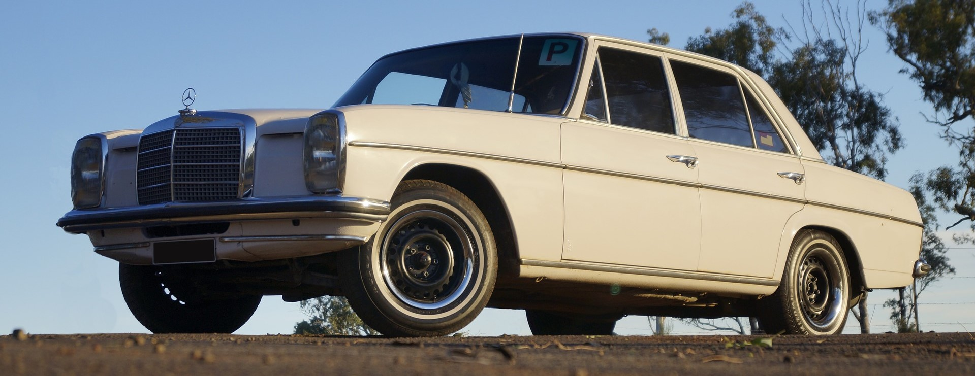 Old Mercedes in Thousand Oaks California - CarDonations4Cancer.org