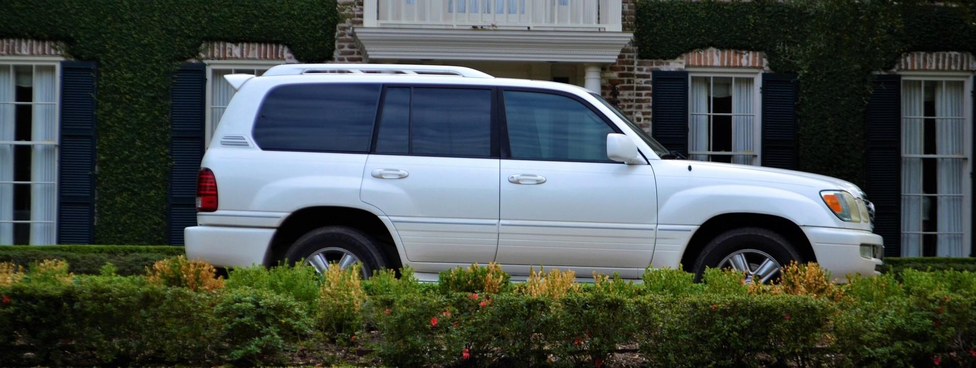 White SUV in Pasadena, California   Breast Cancer Car Donations