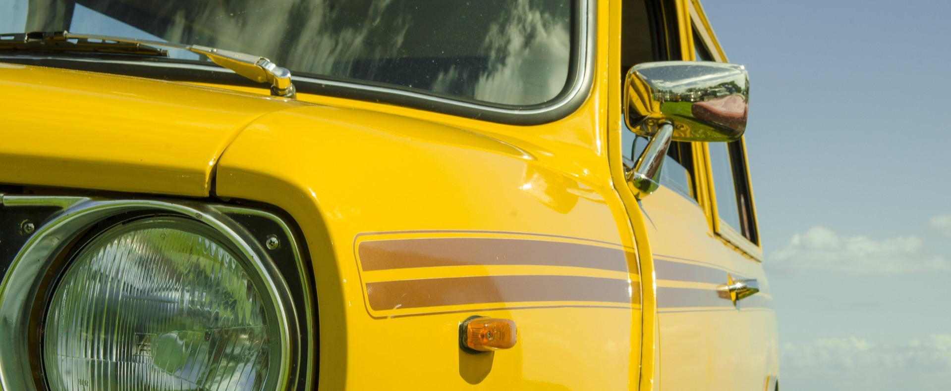 Yellow Oldtimer Car in Pasadena, California | Breast Cancer Car Donations