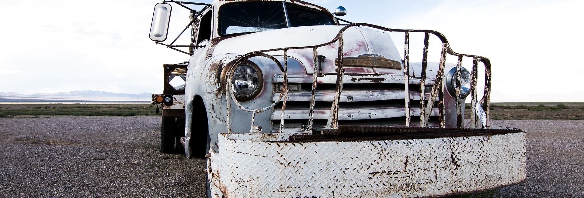 White Oldtimer Pickup | Breast Cancer Car Donations