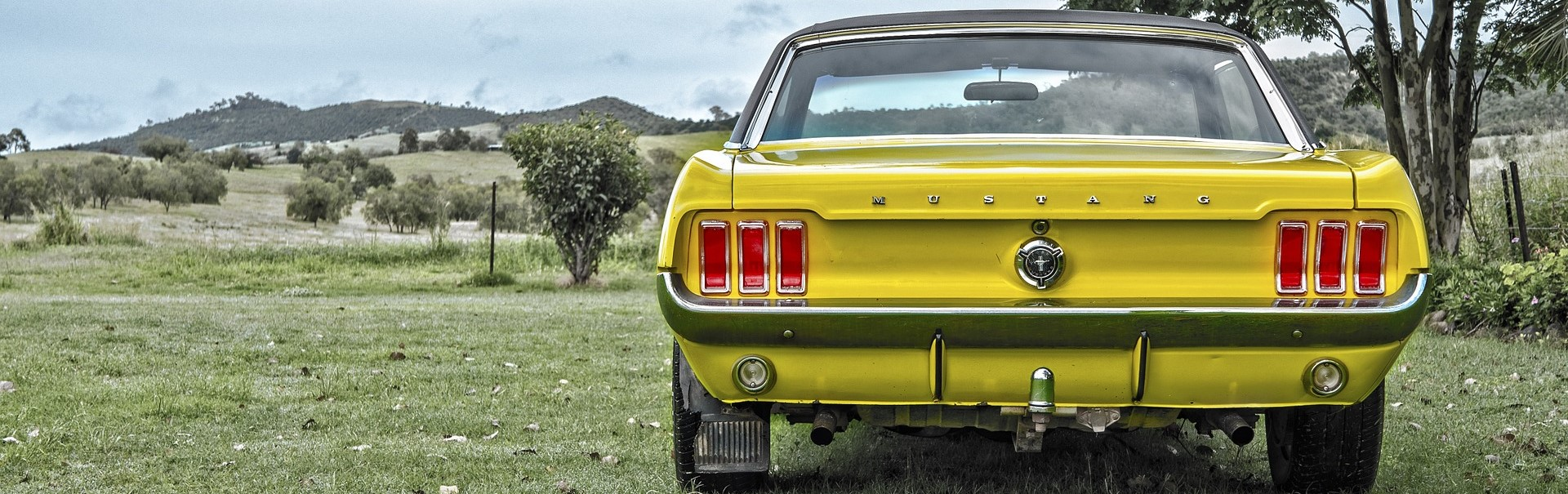 Yellow Oldtimer Mustang | Breast Cancer Car Donations