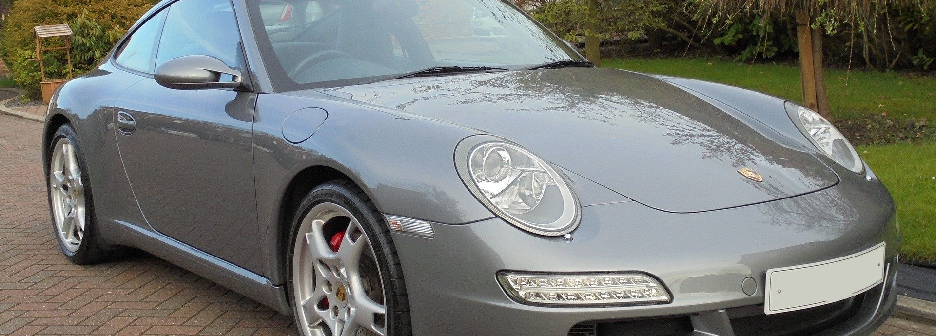 Silver Porsche in Independence, Missouri | Breast Cancer Car Donations