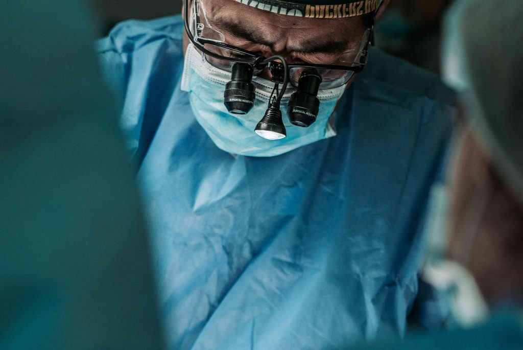 Surgeon Doctor Doing Organ Transplant   Breast Cancer Car Donations