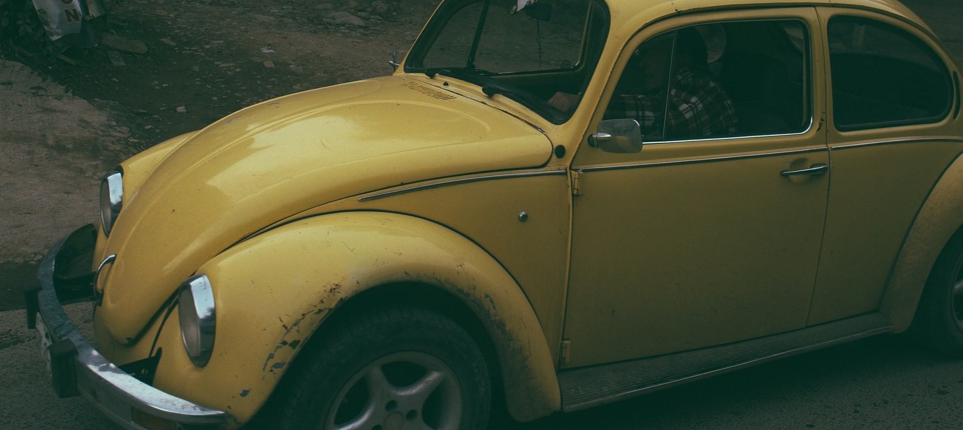 Yellow Oldtimer Beetle in Salem, Oregon | Breast Cancer Car Donations
