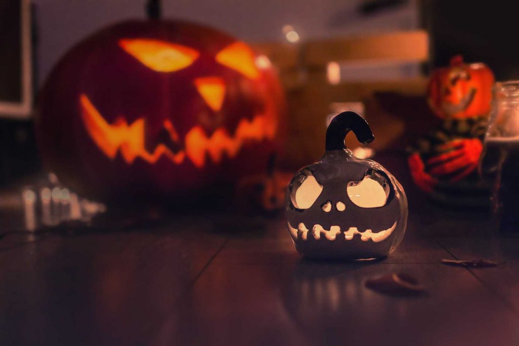 Jack O'Lantern Decorations in Halloween | Breast Cancer Car Donations