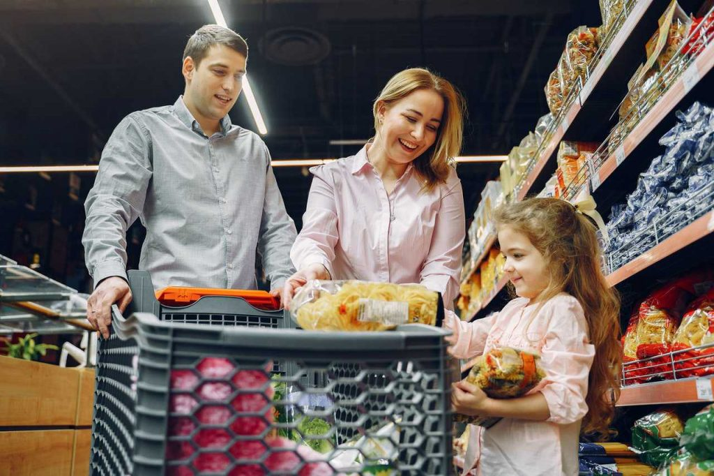Family Buying Groceries   Breast Cancer Car Donations