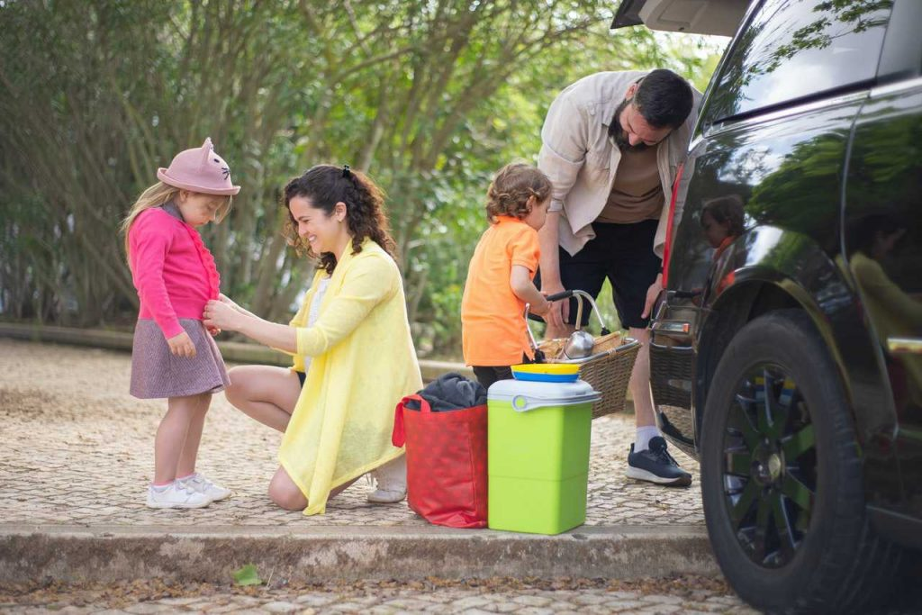 Family Getting in the Car   Breast Cancer Car Donations