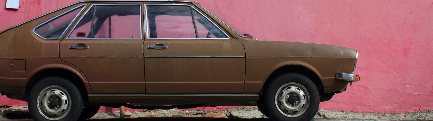 Brown Painted Oldtimer Car | Breast Cancer Car Donations